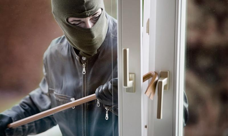 HOT THREAD (2): Aksi Nekat Pencurian di London, Langsung Dilakukan di Dealer Motor