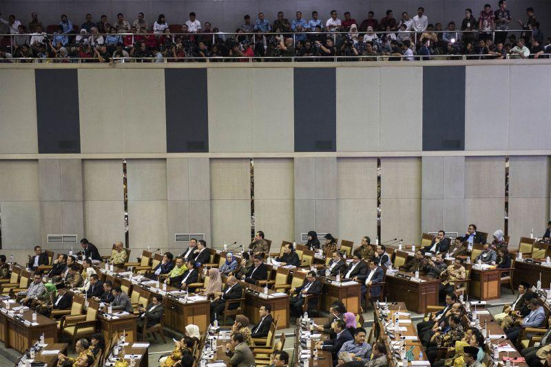 Sempat Berlangsung Alot, DPR Sahkan UU Pemilu