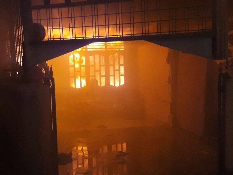 Ratusan Korban Kebakaran di Medan Diungsikan ke Pinggir Jalan