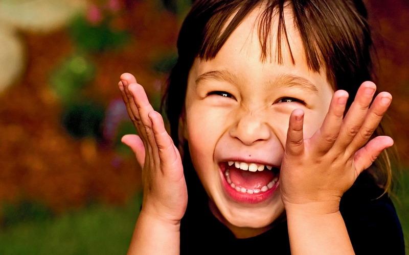 https: img.okezone.com content 2017 07 21 481 1741762 sering-sering-tertawa-mulai-sekarang-karena-bisa-terhindar-dari-stres-kronis-yUExNWnufD.jpg