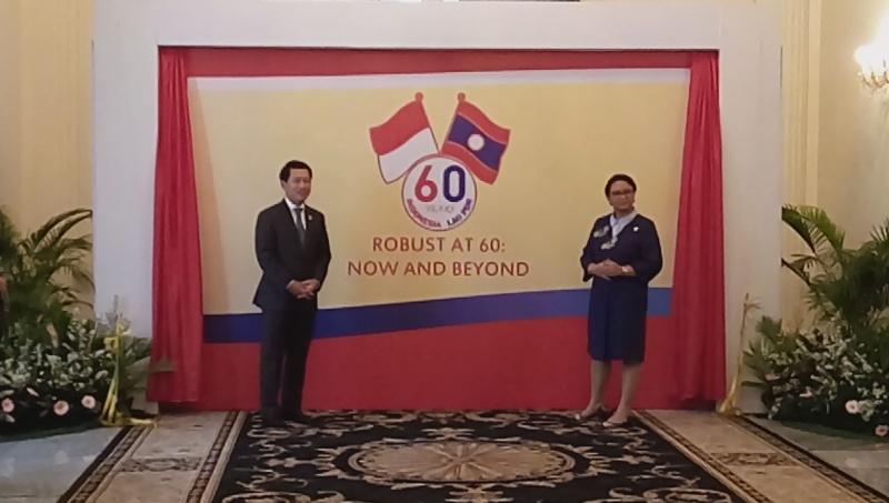 https: img.okezone.com content 2017 07 27 18 1744942 dua-hari-di-indonesia-menlu-laos-temui-jk-dan-kunjungi-pabrik-pupuk-sqDhys7KgU.jpg
