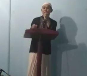 Heboh! Tubuh Ustadz Ini Melayang saat Ceramah, Percaya atau Tidak?