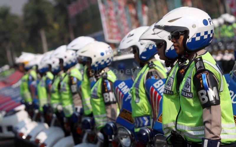 Heboh! Tolak Ditilang, Sopir Taksi Pukul Polantas Pakai Kunci Roda