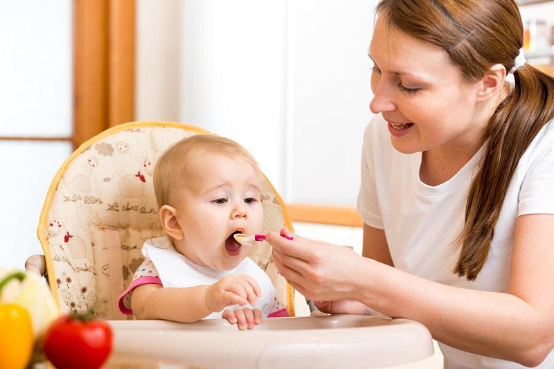 https: img.okezone.com content 2017 07 31 481 1747354 saat-mpasi-bolehkah-daging-diberikan-kepada-bayi-F226rAadJA.jpg