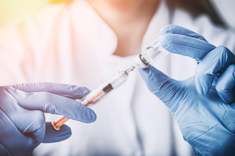 https: img.okezone.com content 2017 08 01 481 1747607 cegah-cacat-kelainan-bawaan-akibat-rubella-menkes-imbau-untuk-lakukan-imunisasi-mr-geMQSoDwiX.jpg