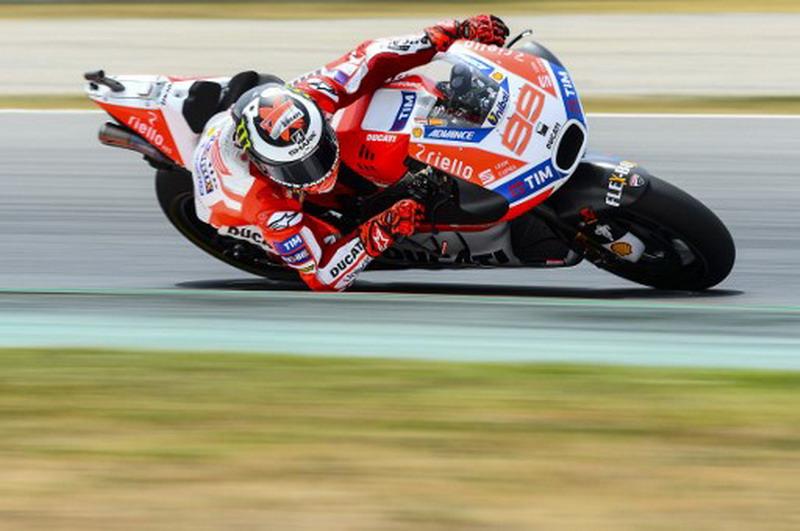 Peduli Lorenzo di Ducati, Michele Pirro: Kami Akan Coba Inovasi Fairing Baru