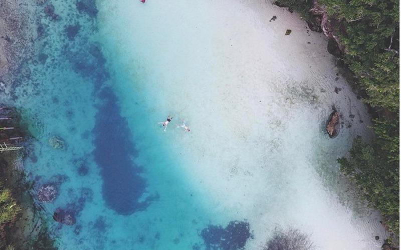 https: img.okezone.com content 2017 08 03 406 1749225 3-danau-di-ntt-yang-tidak-hanya-berair-jernih-tapi-juga-memiliki-pemandangan-super-keren-n2dqjOwHmR.jpg