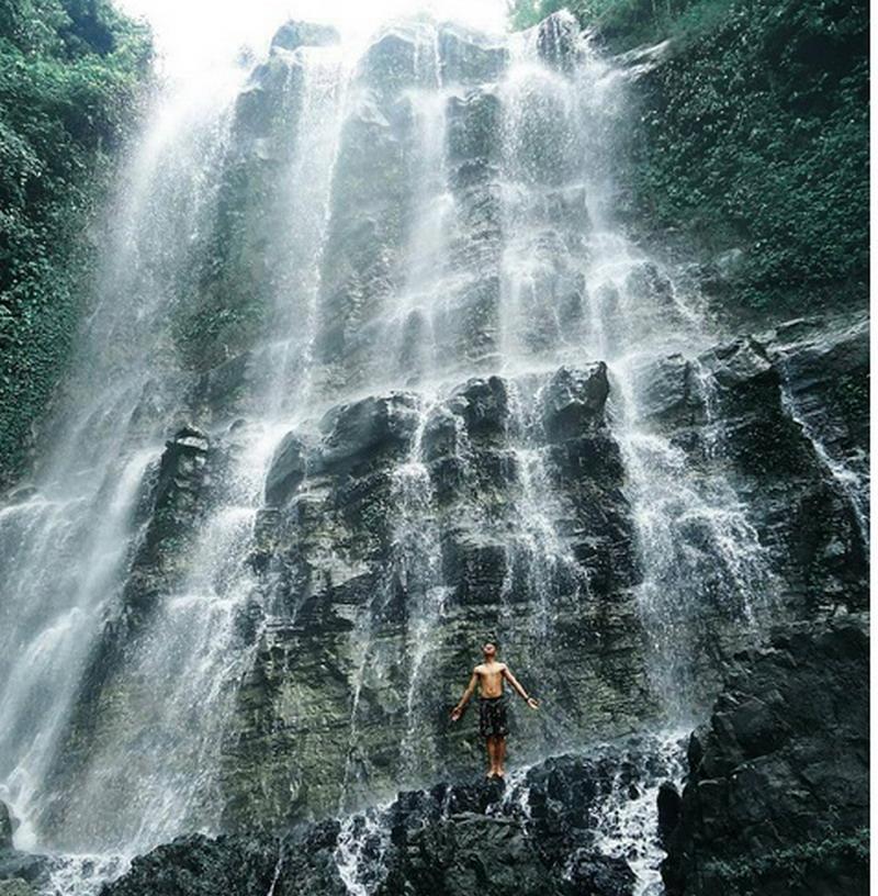 https: img.okezone.com content 2017 08 03 406 1749287 uncover-indonesia-3-curug-di-cilacap-yang-bikin-siapa-pun-ingin-segera-ambil-cuti-oWBcliCVUL.jpg