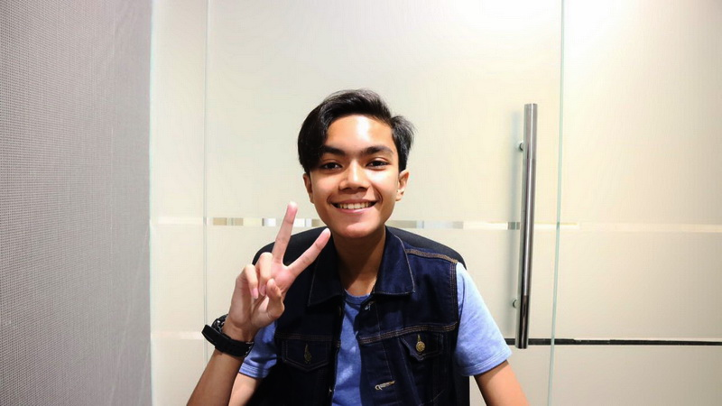 https: img.okezone.com content 2017 08 04 205 1750163 christo-lulusan-the-voice-kids-indonesia-serukan-persatuan-di-lagu-debut-5zpbXSnJcn.jpg