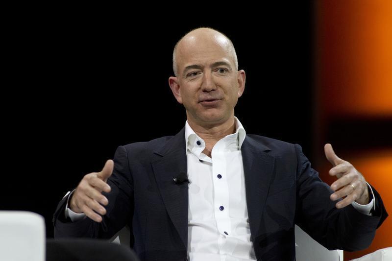 RAHASIA SUKSES: Jeff Bezos, Orang Terkaya di Dunia yang Pernah Jadi 'Koki' McDonald