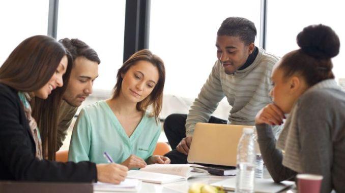 TIPS KARIER: Sederet Cara Pekerja Millennial Hargai Diri Sendiri