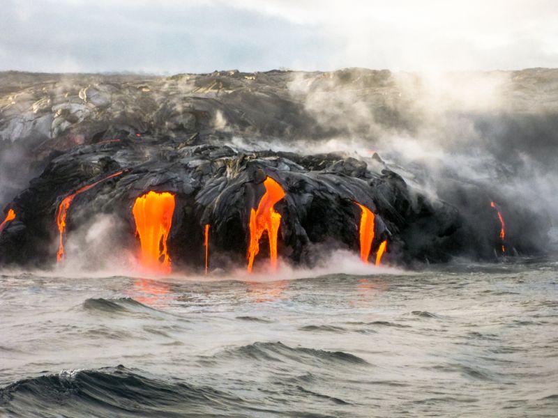https: img.okezone.com content 2017 08 07 406 1751003 beragam-posisi-ideal-untuk-melihat-pintu-neraka-di-hawaii-TylI0OVVaO.jpg