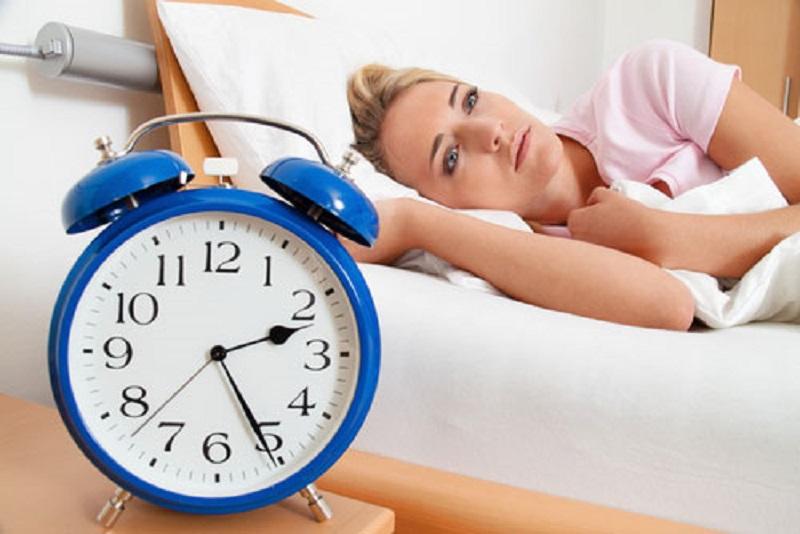 https: img.okezone.com content 2017 08 07 481 1751055 6-tips-atasi-insomnia-mulai-dari-bangun-pagi-teratur-hingga-hindari-nonton-tv-sebelum-tidur-1VwfcbLF9B.jpg