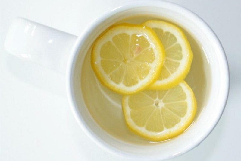 Ganti Infused Water Dengan Minum Air Lemon Hangat Setiap Pagi 7 Manfaatnya Untuk Kesehatan Anda Okezone Lifestyle