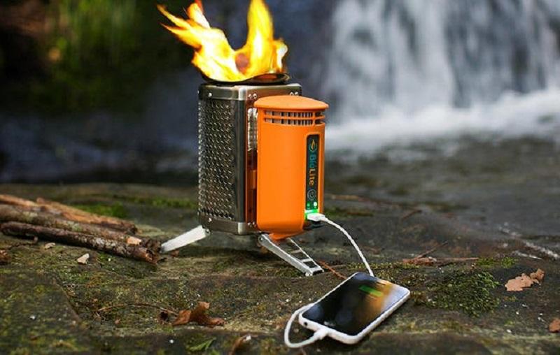 https: img.okezone.com content 2017 08 09 298 1752659 cooking-gadget-canggih-kompor-mini-untuk-kemah-bisa-isi-baterai-handphone-aywNRFyt2Q.jpg