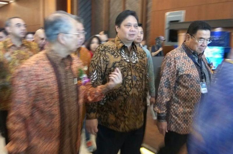 Menteri Airlangga Hartarto membuka GIIAS 2017 di ICE, BSD City (Foto: Hambali/Okezone)