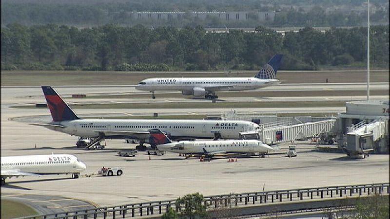 Foto landasan pacu di Bandara Internasional Orlando, Amerika Serikat (Foto: WFTV)