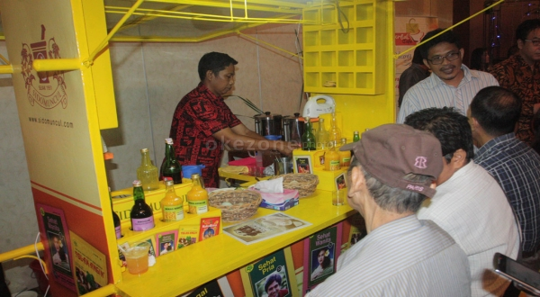 BUSINESS SHOT: Nyonya Meneer Pailit, Bagaimana 'Peran' Sido Muncul hingga Rachmat Gobel?