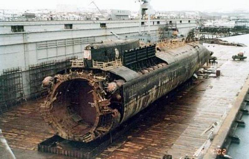 Kapal selam nuklir milik Rusia, The Kursk. (Foto: Pikabu.ru)