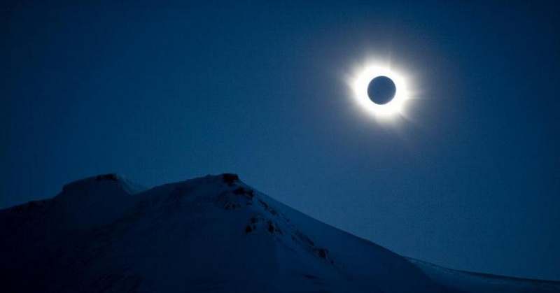 Terungkap! Ini yang Terjadi pada Bumi saat Fenomena Gerhana Matahari