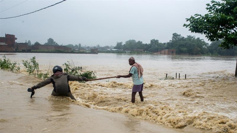 https: img.okezone.com content 2017 08 13 18 1755272 innalillahi-banjir-dan-tanah-longsor-tewaskan-puluhan-orang-di-india-dan-nepal-4y0rCk7rEF.jpg