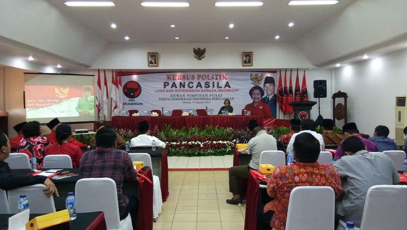 Waah! Megawati Bakal Berikan Kursus Politik ke Jurnalis