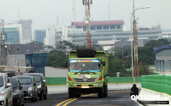 Koridor 13 Transjakarta saat diuji beban (Foto: Okezone)