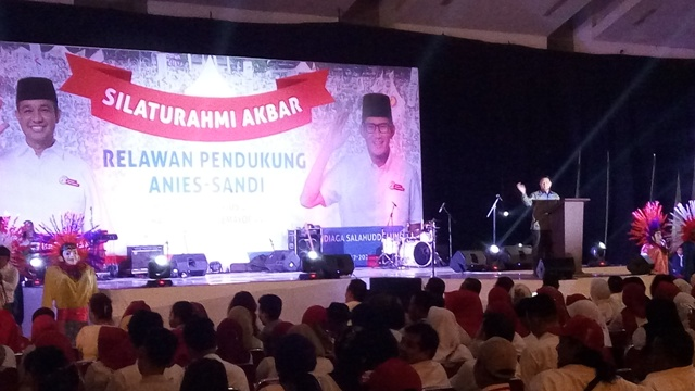 Silaturahmi akbar relawan Anies-Sandi. (Fakhrizal F/Okezone)