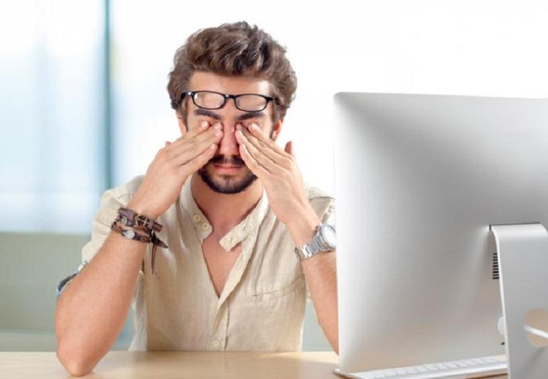https: img.okezone.com content 2017 08 15 481 1756498 mata-merah-waspada-iritasi-ini-bisa-jadi-gejala-sindrom-yang-sering-tidak-terdeteksi-kSSJYcz7Ab.jpg