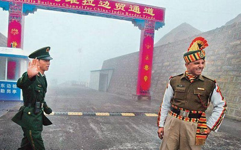 https: img.okezone.com content 2017 08 16 18 1757308 astaga-tentara-india-china-terlibat-pertikaian-perbatasan-cVpyt1JhTa.jpg