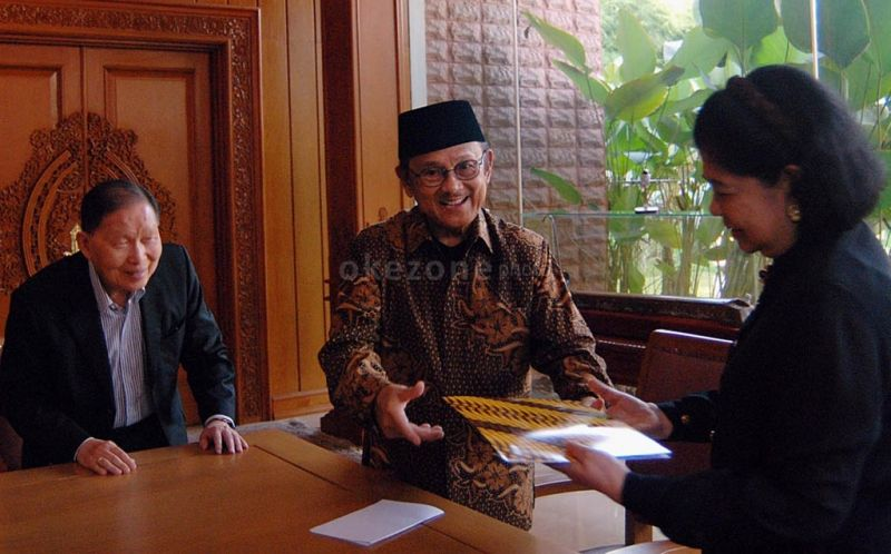 Image result for habibie, okezone