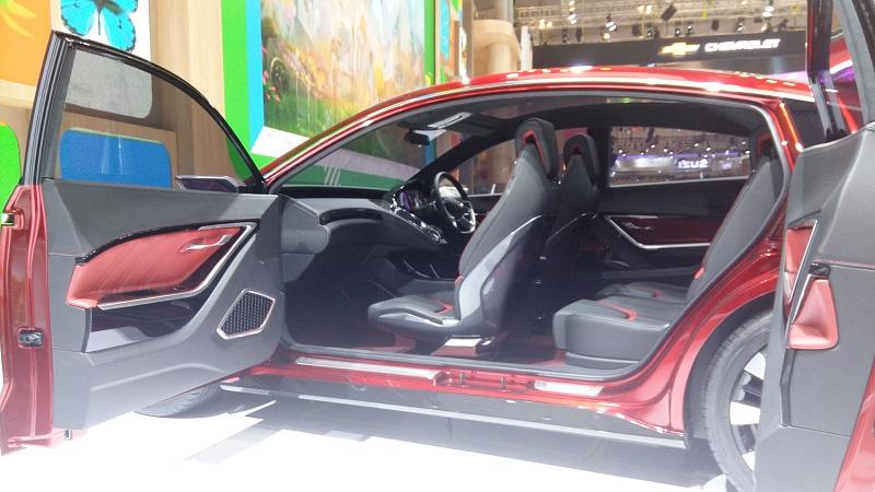 """Nih, 3 Mobil Futuristis dengan Pintu """"Bunuh Diri"""" di GIIAS"""