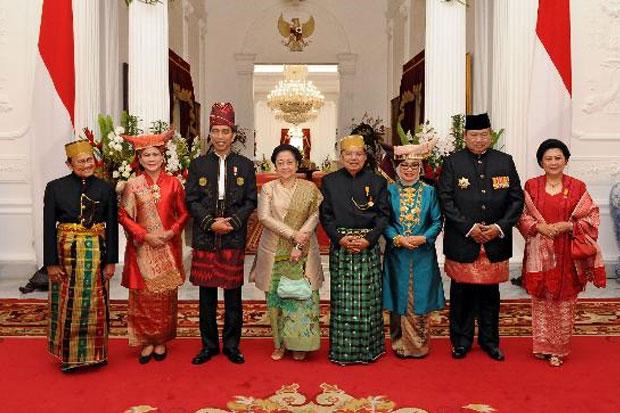 TREN BISNIS: Terobosan Dana Cadangan Pesangon hingga Mantan Presiden Berkumpul di Istana