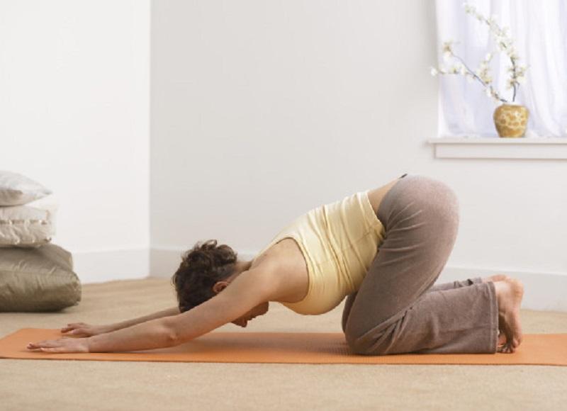 https: img.okezone.com content 2017 08 21 481 1759626 duh-gara-gara-lakukan-pose-yoga-yang-salah-wanita-hamil-alami-buta-sementara-fEcdgPff4n.jpg
