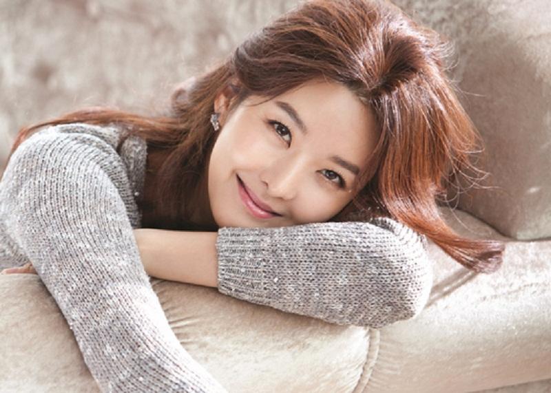 https: img.okezone.com content 2017 08 22 33 1760553 tragis-suami-aktris-song-seon-mi-dibunuh-diduga-karena-warisan-sOvqJZIMwQ.jpg