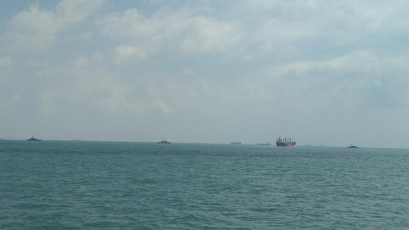 https: img.okezone.com content 2017 08 23 340 1761264 10-marinir-as-hilang-di-selat-malaka-indonesia-singapura-kerahkan-kapal-perang-bantu-pencarian-dKwHwL9BbW.jpg