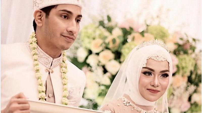 Foto Belum Bisa Move On Medina Zein Unggah Kemewahan Pesta