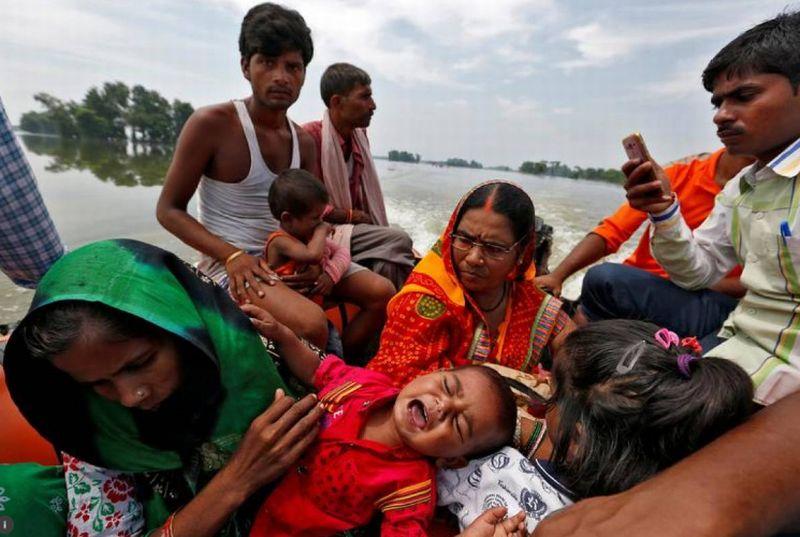 https: img.okezone.com content 2017 08 25 18 1763138 ya-ampun-banjir-terburuk-di-asia-selatan-bunuh-lebih-dari-1-200-orang-y5tvMKnNuT.jpg