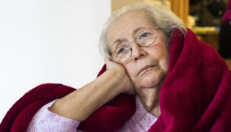 https: img.okezone.com content 2017 08 26 481 1763614 usia-semakin-tua-jangan-sering-sering-begadang-kurang-tidur-meningkatkan-risiko-demensia-cWa83a23ry.jpg