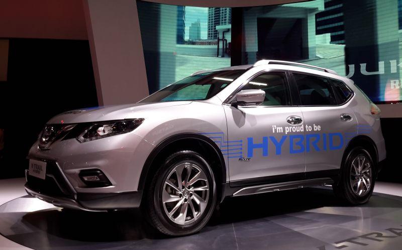 Nissan Hybrid Suv >> Toyota Akan Bawa C Hr Hybrid Ke Indonesia Nissan Tetap