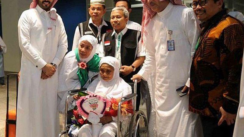https: img.okezone.com content 2017 08 28 18 1764693 subhanallah-jamaah-haji-tertua-di-dunia-berusia-104-tahun-berasal-dari-indonesia-jCP6iPyXnm.jpg