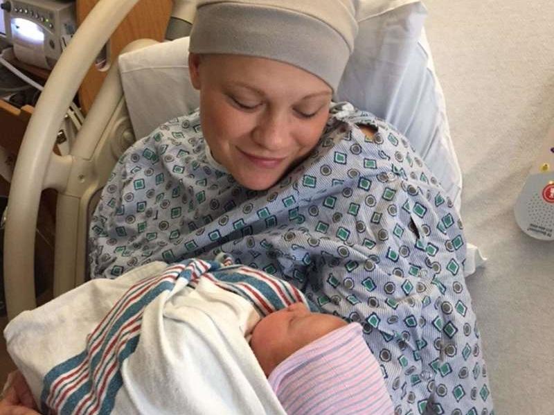 https: img.okezone.com content 2017 08 28 481 1764423 wanita-pengidap-kanker-aku-merasa-giliranku-menyelamatkan-bayi-dalam-kandungan-ini-karena-tuhan-mengirimnya-untuk-menyelamatkanku-3ofmfgejO5.jpg