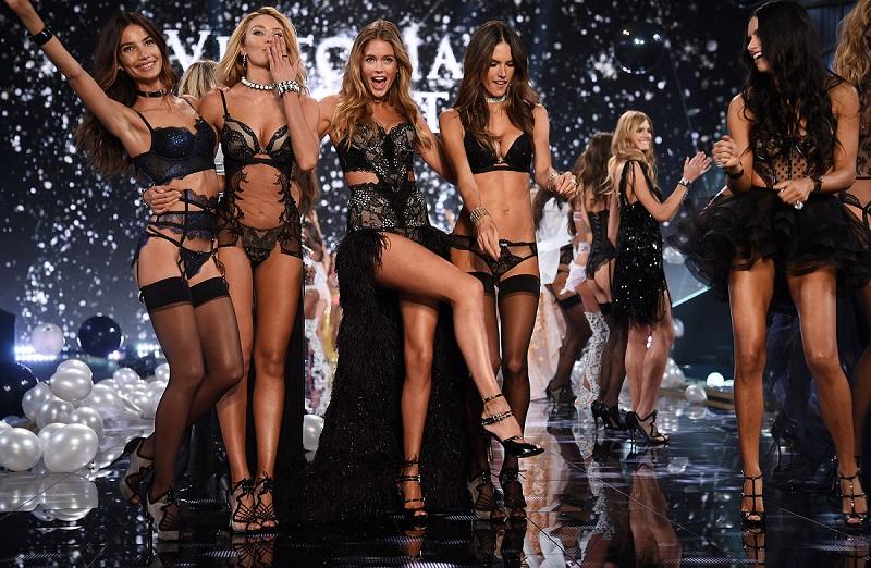 https: img.okezone.com content 2017 08 30 194 1766155 15-model-seksi-bakal-debut-perdana-di-victoria-s-secret-fashion-show-2017-Q3of3NUXoj.jpg