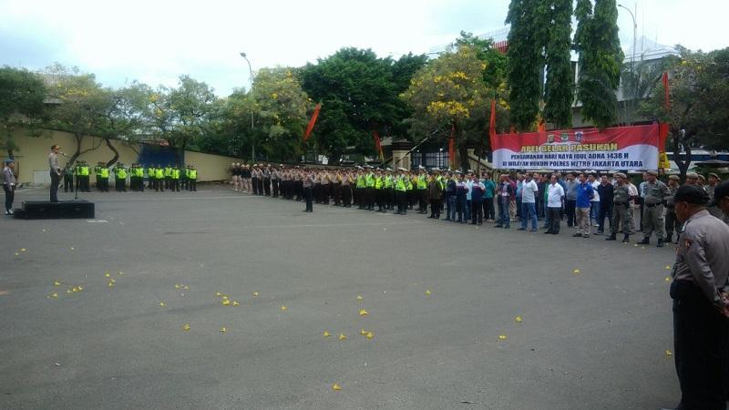 Personel gabungan apel untuk pengamanan Idul Adha di Jakarta Utara. (Foto: Taufik Fajar/Okezone)