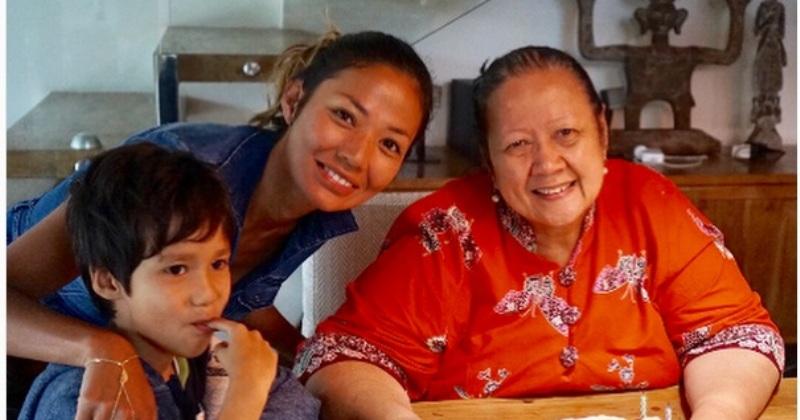 Ibunda: Jupe Selalu Rawat Ayah   Informasi dan Berita Terkini