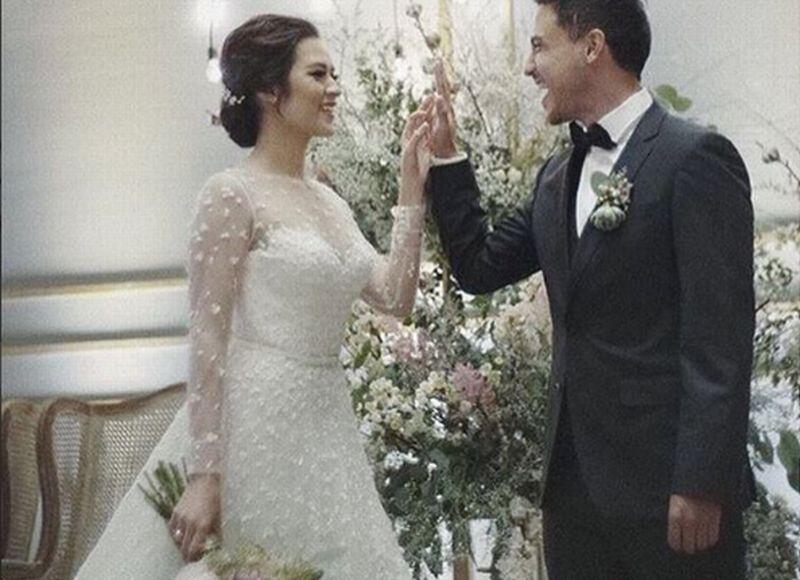 https: img.okezone.com content 2017 09 03 33 1768540 foto-cantiknya-raisa-dan-gantengnya-hamish-di-resepsi-pernikahannya-i6G2ZutwH2.jpg