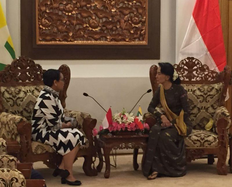 Image result for Retno Marsudi bersama Aung San Suu Kyi