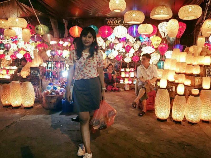 https: img.okezone.com content 2017 09 05 406 1769927 backpacker-diary-night-market-hoi-an-pusatnya-berburu-lampion-dan-oleh-oleh-khas-vietnam-gfUyB5R37G.jpg