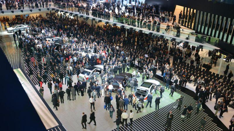https: img.okezone.com content 2017 09 06 15 1770263 9-merek-mobil-kenamaan-absen-di-frankfurt-motor-show-ada-apa-A6yqJsSIDF.jpg