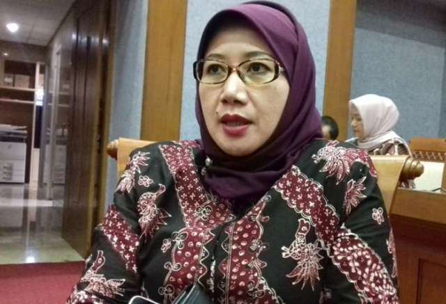 Anggota Komisi X DPR RI Reni Marlinawati (Foto: Reni Marlinawati.com)